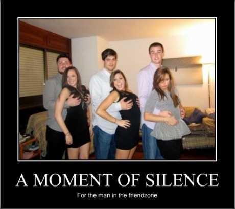 Un Minuto de Silencio... Por el amigo de la derecha.